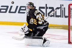2013-09-23 AIK-LHC SG1902 (fotograhn) Tags: ishockey hockey icehockeyshl svenskahockeyligan swedishhockeyleagueaik gnagetlinköping linköpingshc puck rädda räddning räddar save saves sport sportsphotography canon stockholm sweden swe