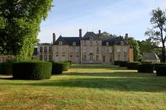 Chateau de Bizy (Parigny-les-Vaux, Nièvre) (godran25) Tags: france bourgogne burgundy canon 2017 nièvre nivernais