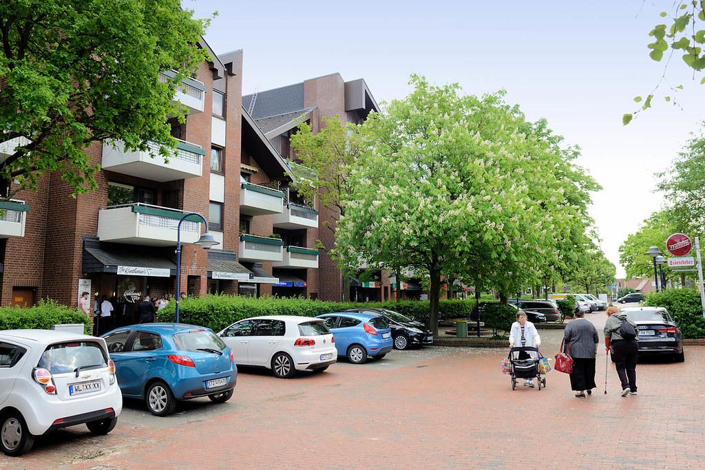 DSC_8239 Moderne Architektur Der 1980er Jahre In Meckelfeld   Gewerberäume,  Läden Im Erdgeschoss. (