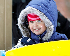 BBC_8193- (pavelkalin) Tags: canon eos ef weather winter 5d 135mm f2 usm snow childrens family mark iv