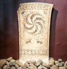 Picture stone / Bildsten (Gösta Knochenhauer) Tags: nik panasonic lumix fz1000 dmcfz1000 visby gotland sverige sweden schweden suède svezia suecia p9120481nik p9120481 2017 august gotlands museum bildsten fornsalen