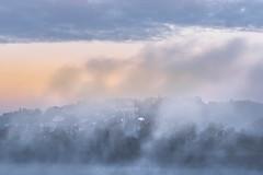 L'éveil de la cité médiévale (Bertrand Thiéfaine) Tags: d750 automne brume leverdujour loire matin nikon oudon paysage ciel