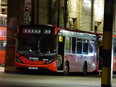 W4 Awaiting (londonbusexplorer) Tags: arriva london adl enviro 200 mmc enn40 en40 yy66hcc w4 oakthorpe park tottenham hale wood green tfl buses