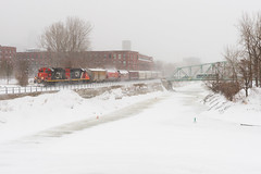 CN YPC011-13 @ Saint-Henri, QC (Mathieu Tremblay) Tags: montréal québec canada ca canadian canadien national railroad railway chemindefer eastsidecanalbank spur embranchement canal lachine snow neige gmd gp9rm 7228 switcher manoeuvre local sony a99 sal2470z