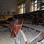 Beelitzer Heilstätten - Sitzgelegenheit thumbnail