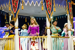 DSC_0215_20171201_MOUCP (SureAsLiz) Tags: disneyworld disney waltdisneyworld wdw magickingdom mvmcp mvmcp2017 moucp onceuponachristmastime rapunzel aurora snowwhite tiana ariel jasmine