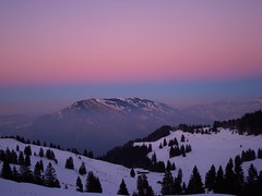 Dusk On Mount Rigi (Daphne-8) Tags: sunset dusk rigi schweiz switzerland sky himmel cielo colours colores colors farben kleuren pink purple rosa blau blue winter hiver invierno inverno susse suiza svizzera suíça svizra snoe schnee neige neve nieve sneeuw zwitserland mountain montagnes berge bergen montañas montanhas