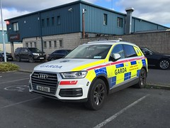 Irish Police Car - An Garda Síochána - Armed Support Unit - Audi (firehouse.ie) Tags: lawenforcement voiture vehicles vehicle suv coche car armedgardai emergency aru policja polocja politie politi polizeiauto eire irish armedpolice polizeiwagen polizia polizei polis policia ireland angardasíochána police guards gardai garda ags swat asu eru unit armedsupport armedresponse armed audi