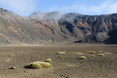 Red Crater at Tongariro Crossing (sebsphotos) Tags: newzealand crater vulcano tongariro