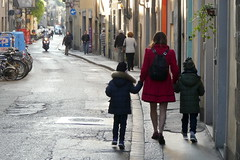 Italy - Tuscany - Florence - walking the children (muffinn) Tags: florence holdinghands parenting mum streetscene street pavement sidewalk platinumheartaward three trio