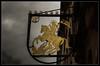 der goldene Ritter (mistlife) Tags: burgenstrase germany2017 heidelberg schilder weather 4252in2017