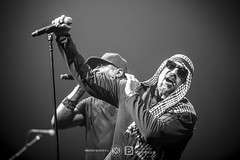 Prophets Of Rage @ Le Zénith - Paris | 10/11/2017 (Philippe Bareille) Tags: prophetsofrage funkmetal rapmetal hardrock alternativemetal american lezenith paris makeamericarageagain france 2017 music live livemusic show concert gig stage band rock rockband metal heavymetal canon eos 6d canoneos6d musicwavesfr breal singer vocalist frontman cypresshill louisfreese chuckd carltondouglasridenhour publicenemy mc monochrome blackandwhite bw noiretblanc nb