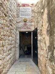 30 - Grotto / Jaskyňa zatknutia