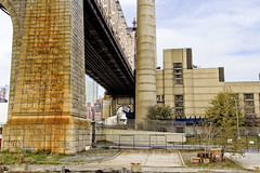 r_171114099_beat0075_a (Mitch Waxman) Tags: citywideferry eastrivershoreline newyorkcity newyorkharbor queensborobridge rooseveltisland newyork