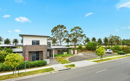 16 Rowe Dr, Potts Hill NSW 2143