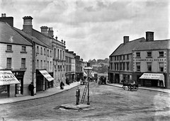 Triangular Square in Navan, Co. Meath (National Library of Ireland on The Commons) Tags: eason easonson easoncollection easonphotographiccollection glassnegative 20thcentury nationallibraryofireland navan comeath ireland thesquare trimgatestreet motorcar horsecarts pump commercialhouse mccauley thomasreilly countymeath ah60 carregistration johnmckeever navanprintingworks