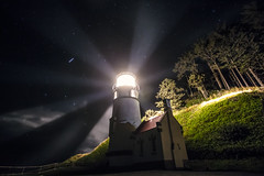 Oregon Night Light (West Leigh) Tags: oregon oregoncoast hecetaheadlighthouse beach sea ocean wanderlust wander explore dream discover travel travelphotography night sky stars astronomy northwest lighthouse nature experience