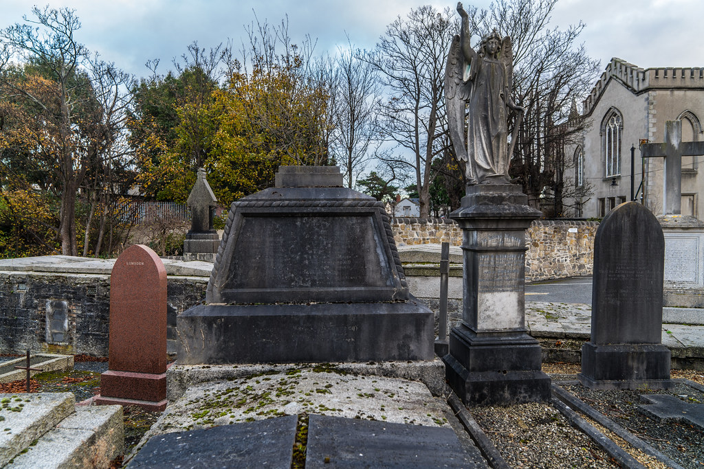 MOUNT JEROME CEMETERY IS AN INTERESTING PLACE TO VISIT [IT CLOSES AT 4PM]-134267