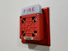 Wheelock 7002T (SchuminWeb) Tags: schuminweb ben schumin web october 2017 montgomery county maryland md gaithersburg fire alarm alarms firealarm firealarms red notification appliance appliances wheelock 7002t cooper eaton 7002 horn horns hornstrobe strobes strobe light lights hornstrobes strobelight strobelights signal signals