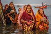 Chhat Puja prayer (puuuuuuuuce) Tags: india varanasi prayer chhatpuja ganges