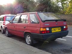 1994 Skoda Favorit GLXie Estate (Neil's classics) Tags: vehicle car wagon estate