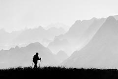 Iría a por tí. / I would come for you. (Oscar Martín Antón) Tags: montaña mountain asturias spain españa montañero bw blancoynegro landscape paisaje nature naturaleza picosdeeuropa cordilleracantábrica niebla fog atmósfera mágico magic conceptual peak picos