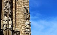 Heralds / Heraldos (Ramon Oria) Tags: catholic monarchs catolicmonarchs reyes católicos catolicos reyescatólicos isabel fernando ferdinand isabella ferdinandii isabellai aragon aragón castile castilla toledo spain españa monasterio convento sanjuan sanjuandelosreyes san juan de los saint john saintjohnofthemonarchs xv xvi 1504 1477 century siglo herald heralds heraldo rey armas reydearmas reyesdearmas heraldos