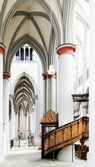 Seitenschiff im Altenberger Dom (ulrichcziollek) Tags: nordrheinwestfalen bergischesland altenberg dom highkey gotik