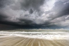 Storm is coming (Ellen van den Doel) Tags: natuur landscape storm nature long nederland weer exposure weather zee clouds movement le november beach lucht landschap strand cloud zand sand sky netherlands outdoor sea wolken 2017 ouddorp zuidholland nl