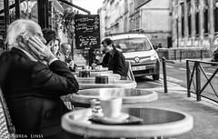 paris..... (andrealinss) Tags: frankreich france paris parisstreet bw blackandwhite schwarzweiss street streetphotography streetfotografie andrealinss 35mm café