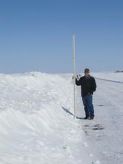 Anglų lietuvių žodynas. Žodis snow bank reiškia sniego bankas lietuviškai.