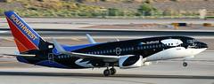 Boeing 737-7H4 N713SW (707-348C) Tags: phoenixskyharbour kphx airliner jetliner boeing boeing737 southwest southwestairlines n713sw southwestcom shamu specialcolours seaworld b737 skyharbor swa phoenix phx