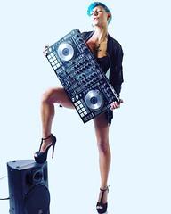 Erika Greys 🔊 📷 di Gianmaria Pontiroli ] ; )::\☮/>> http://www.elettrisonanti.net/galleria-fotografica  @erikagreys  #djanegreys #dj #djset #deephouse #techno 🎶 #rave #albatroz #vegetarian 🎧 #erikagreys #djanegreys  #marjuan (ElettRisonanTi) Tags: