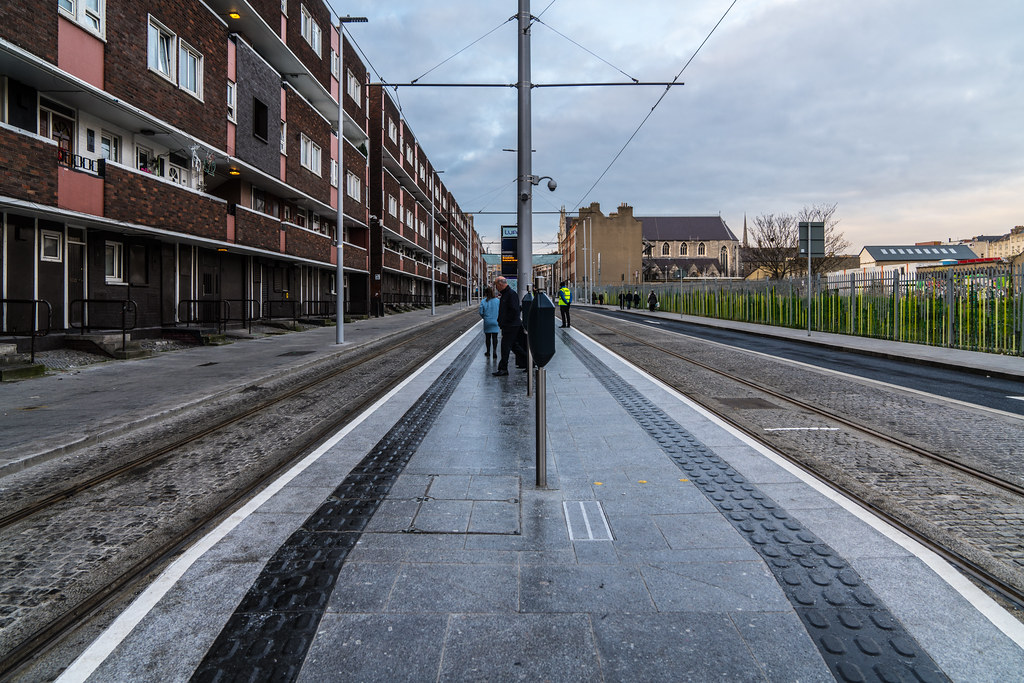 THE LUAS CROSS-CITY TRAM SERVICE CAME INTO OPERATION TODAY [LOWER DOMINICK STREET STOP]-134393