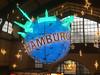 Hamburg grüßt zur Adventszeit (Körnchen59) Tags: halmurg germany hauptbahnhof centralstation weihnachtskugel sterne iphone körnchen59 elke körner