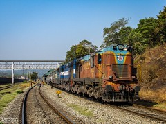 Amaravati Express (mohammedali47) Tags: gootyalco locomotive indianrailways castlerock kingfisherlivery twins railroad trains railfans