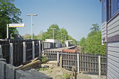 Uckfield Station, July 1997 (Ian D Nolan) Tags: railway uckfieldstation station 35mm epsonperfectionv750scanner