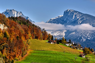 Spiez (Faulensee) and the Nieder horn at late  Autumn time.Switzerland. 15.11.17, 13:35:10 .Izakigur  No. 1025.
