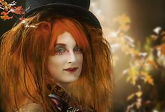 Elfia Fantasy Fair (ellen-ow) Tags: porträt frau woman outdoor licht light herbst elfiafantasyfair verkleidet rotehaare person mensch peiople ellenow nikond5