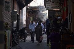 Calles de Marrakech (J.Carlos Pérez) Tags: marrakech marruecos travel traveler viaje calles calle street humo sombras people gente personas