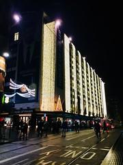 Marvel at the stars (Birmingham city centre) (semonalarochelle) Tags: crowd nightlife street people shoppingcentre atmosphere festive lights cityandpeople city nightshot night houseoffrasier citycentre birmingham