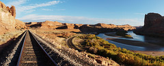 tracks again (rovingmagpie) Tags: utah moab goldbarcanyon coloradoriver potashtrain traintracks train tracks panorama pano fb2017