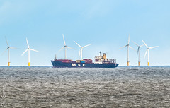 MSC  EYRA (philbarnes4) Tags: msc container containership philbarnes dslr nikond5500 broadstairs thanet kent england windturbines electricitygeneration