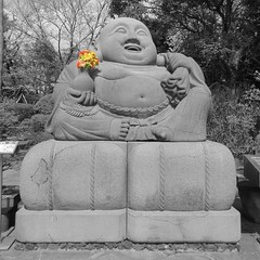 """Let me be, was all I wanted. Be what I am, no matter how I am."" ―Henry Miller  💐 🗿 (anokarina) Tags: canonpowershotelph350hs seongsaneup jaejudo southkorea sk jejuisland buddha statue sculpture art flowers bouquet 서울시 서울특별시 서울特別市 대한민국 大韓民國 colorsplash"