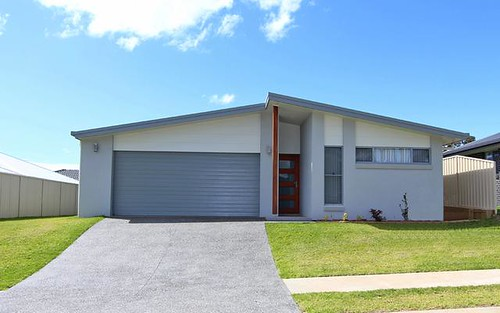 12 Solomon Drive, Lake Cathie NSW