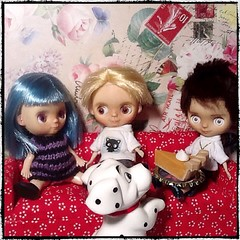 Blythe-a-Day#12. Animation: Hildy, Leo, Eli, and Their Dog Are Ready for a Snack
