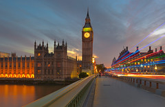 Big Ben seen from Westminster bridge (Bernhard Sitzwohl) Tags: london bigben westminsterbridge sunsert uk westminster lighttrails bluehour parliament bridge building office