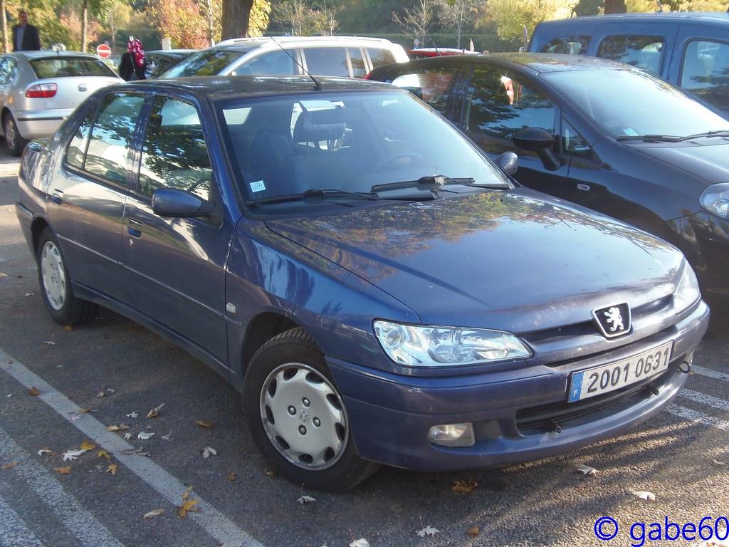 Peugeot saint maximin voitures occasion peugeot bleu for Garage renault saint gaudens