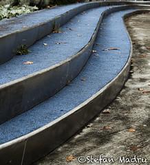 Plaza Euskadi (Stefan Madru) Tags: bilbao autumn curvas curves olympus omdem5ii 35mmmacro