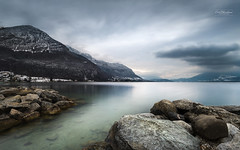 Sale temps (cedric.chiodini) Tags: montagnes roches annecy annecylevieux lacdannecynature lac lake eau water le longexposure poselongue d850 traitre lacheur